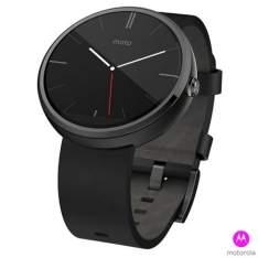 """Voltou- [Fast Shop] Moto 360 Preto por R$616 ou 10x de R$68 - Tela de 1,5"""" LCD, 4GB de Memória, Bluetooth"""