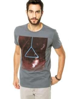 4 camisetas por R$99 + frete grátis