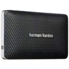 [Ricardo Eletro] Caixa de Som Bluethooth Esquire Harman Kardon - 8W RMS, Portátil, USB, Bateria Recarregável, IOS e Android, Acabamento em Couro, Preto por R$380