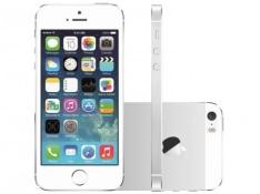 "iPhone 5S Apple 16GB Prata 4G Tela 4"" Retina - Câmera 8MP iOS 8 Proc. M7 Touch ID por R$1320"