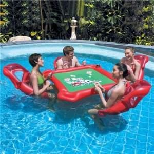 [Extra] Texas Holding Poker Bestway com 4 Cadeiras + 1 Mesa + Jogo Completo - Vermelho/Verde por R$ 69