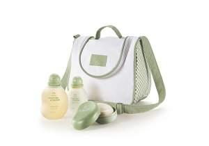 [Natura] Shampoo + Colônia + Sabonete com Saboneteira + Frasqueira - de R$ 154,80 por R$ 123,80 (ou 4 x de R$ 30,95 sem juros no cartão de crédito)