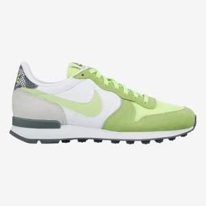 [Nike] TÊNIS NIKE INTERNATIONALIST PRINT FEMININO - R$209