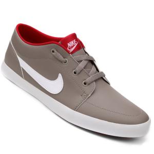 Tênis Nike Futslide - R$ 91
