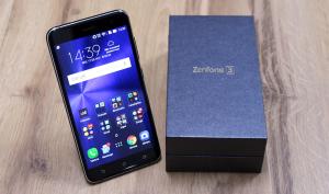 Zenfone 3 (ZE552KL) 64 GB - Preto Safira