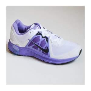 Tênis Nike Emerge W Feminino por R$ 120