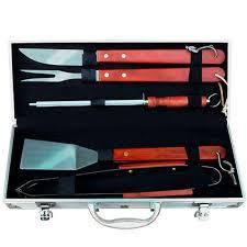 Kit Churrasco 6 peças em Aço Inox com cabo em Madeira - R$49,90