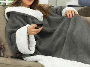 Cobertor com Mangas de Sofá Avulso com efeito Pele de Carneiro - R$99