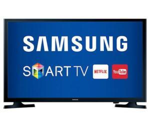 "Smart TV LED 32"" Samsung 32J4300 HD com Conversor Digital 2 HDMI 1 USB Wi-Fi 120Hz - R$1046"