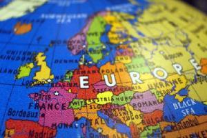 Voos: vários destinos na Europa, a partir de R$2.254, ida e volta, com taxas incluídas. Datas para 2018!