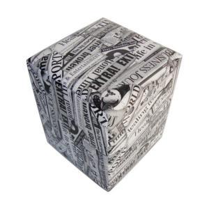 Puff Quadrado Courino Jornal Preto por R$ 20