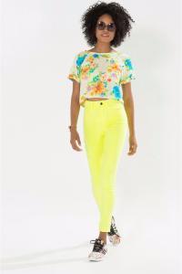 Calça Skinny Sarja Color Farm - R$79