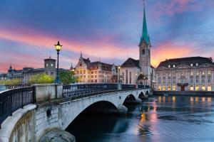 Voos: Zurique, a partir de R$1.932, ida e volta, com taxas incluídas. Saídas do Nordeste!