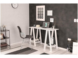 Escrivaninha/Mesa para Computador Politorno - Delta - R$100
