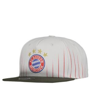 Boné Adidas Bayern de Munique Aba Reta Branco - R$48