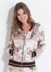 Jaqueta Bomber Quintess em Cetim Floral R$80