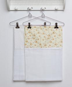 Kit de 2 Toalhas em Fralda para bebê - Várias cores - R$4,79