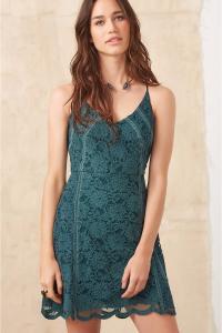 Vestido FYI Renda Ley com entremeio - Verde Floresta - R$146