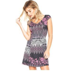 Compre 1 vestido e leve 4