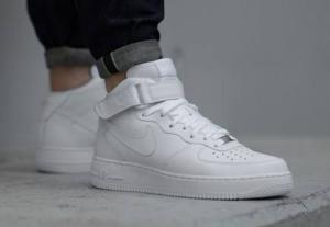 Tênis Nike air force 1 Mid - R$230