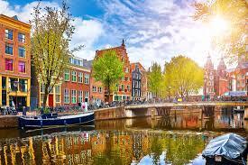 Voos Amsterdam + Roma - Ida e volta +Taxas inclusas - R$1798