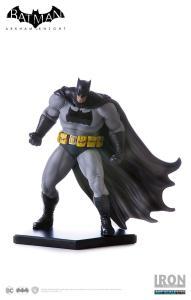 [Iron Studios] Batman Dark Knight Dlc - Art Scale 1/10 Batman Arkham Knight Series - R$142