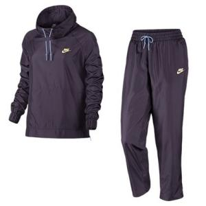 Conjunto Agasalho e Calça Nike Sportwear Track Suit Feminino - R$150