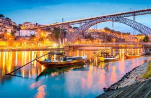 Lisboa e Porto - Portugal na mesma viagem, voos ida e volta com taxas inclusas - a partir de R$1478