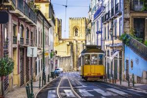 Dusseldorf e Lisboa, na mesma viagem, saindo do Rio de Janeiro. Voos de ida e volta, com taxas incluídas, por R$1.790