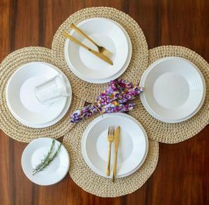 Kit Aparelho de Jantar 24 Peças Saturno - La Cuisine by Nadir - R$70