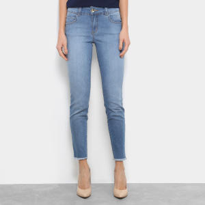 Calça Jeans Cigarrete Colcci Fátima Barra Desfiada Cintura Média Feminina - Azul Claro (42) - R$ 180