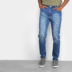 Calça jeans masculina com rasgos