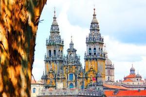 Voos para Santiago de Compostela, na Espanha, saindo de São Paulo. Ida e volta, com taxas incluídas, a partir de R$1.915