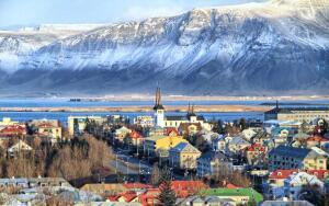 Voos para Keflavik, na Islândia, saindo do Rio de Janeiro. Ida e volta, com taxas incluídas, a partir de R$3.096