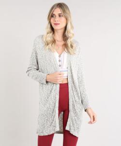 Capa feminina longa em tricô bege claro | R$40
