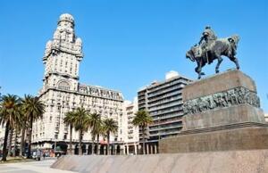 Voos para Montevideo, saindo do Rio de Janeiro. Ida e volta, com taxas incluídas, a partir de R$766