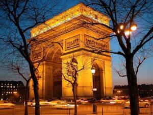 [CARNAVAL 2020] Voos para Paris, saindo do Rio de Janeiro. Ida e volta, com taxas incluídas, a partir de R$1.956
