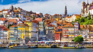 Madri e Porto, na mesma viagem, saindo de Salvador. Todos os trechos, com taxas incluídas, a partir de R$1.956