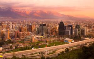 Santiago e Buenos Aires, na mesma viagem, saindo de Porto Alegre. Todos os trechos, com taxas incluídas, a partir de R$1.175