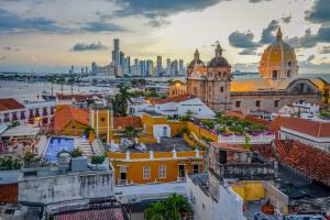 Voos para Cartagena, saindo do Rio de Janeiro. Ida e volta, com taxas incluídas, a partir de R$1.561