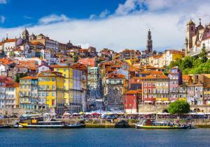 Voos para Porto, saindo de Fortaleza, por R$1.994