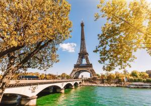 Voos para Paris, saindo do Rio de Janeiro, por R$2.189