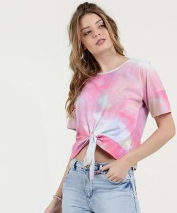 Blusa cropped c/ estampa Tie Dye e amarração R$30