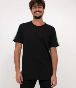Camiseta Com Listra nas Mangas | R$14