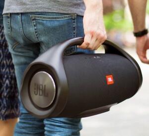 Caixa de som JBL Boombox Preta USB