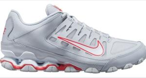 Tênis Nike Reax 8 TR Masculino.   R$230