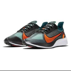 Tênis Nike Zoom Gravity Masculino - Preto e Laranja