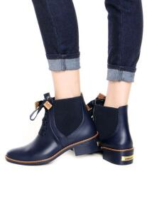 2 botas femininas por R$199