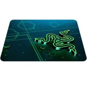 Mousepad Gamer Razer Goliathus Mobile, Control, Pequeno (270x215mm) - RZ02-01820200-R3U1 - R$46