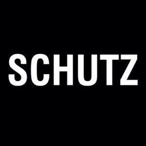 Até 70% OFF na Schutz